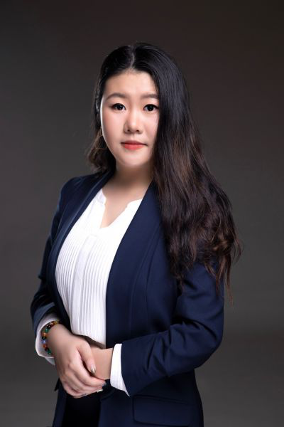 An image portrait of Cher Guo